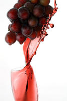 Resveratrol-s-heart-health-benefits-pinpointed_dnm_headline